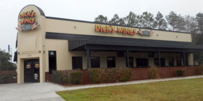 Dick's Wings & Grill slide 9