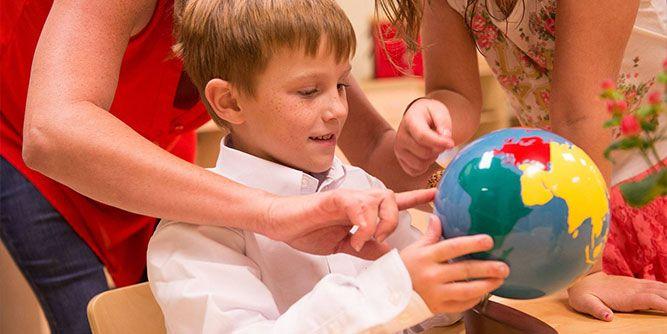 Montessori Kids Universe slide 6