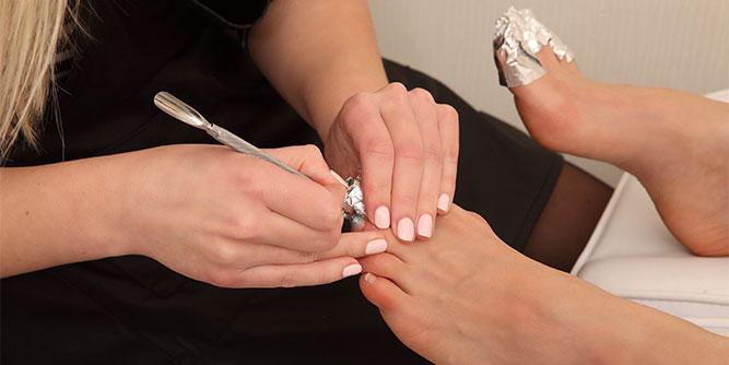 Pretty Feet Mobile Nail Salon slide 5